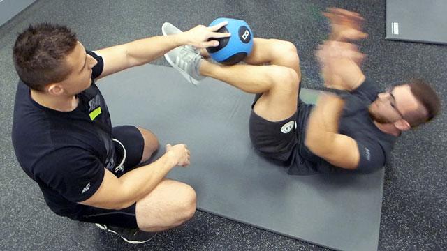 trening-na-wytrzymalosc-brzucha-steel